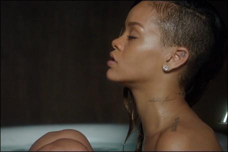 Avec quel artiste Rihanna est-elle en featuring sur  Stay  ?