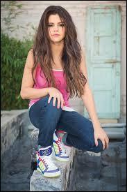 Dans quelle série Disney Channel joue-t-elle ?
