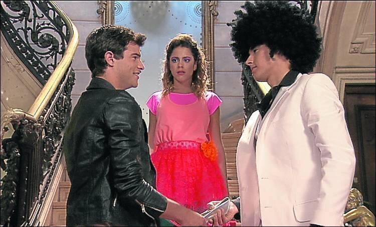 Dans la saison 2 de  Violetta , qui vient troubler l'amour entre Violetta et León ?