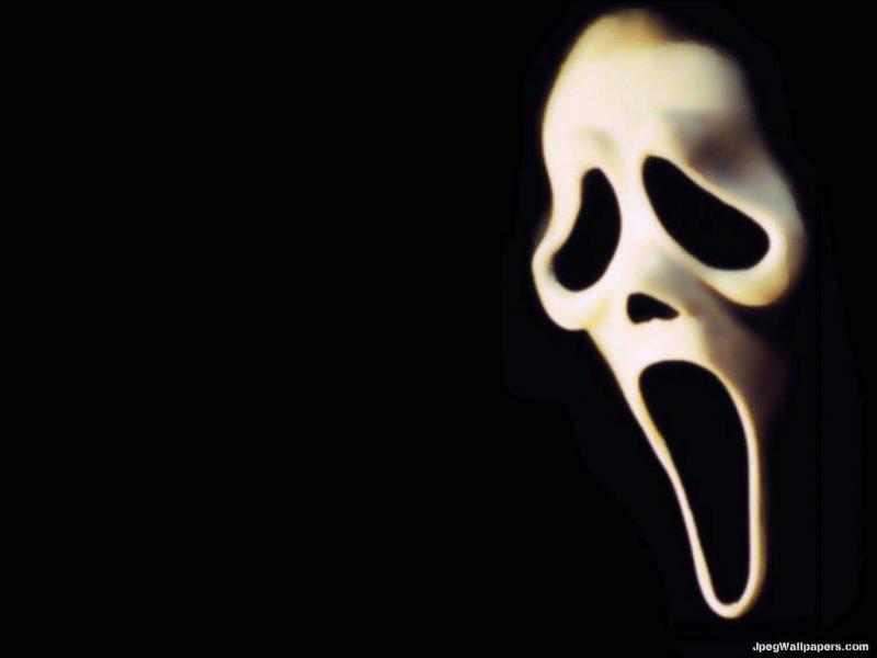 Lequel de ces tueurs de la saga Scream ne prend pas de balle dans la tête ?