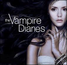 Qui dit :  Quand je vous regarde, je ne vois qu'un ange, quand je frôle votre peau, c'est tout mon corps qui s'embrase et quand j'effleure vos lèvres, je sais alors que je tombe amoureux de vous. Je vous aime Katherine.   ?