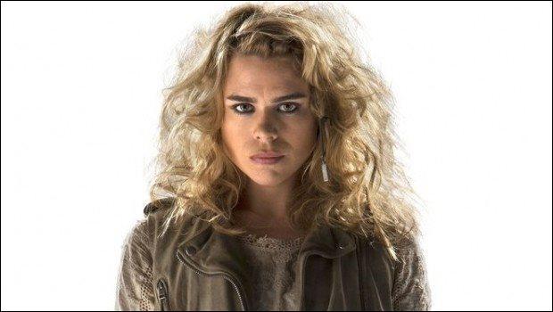 À quel Docteur apparaît-elle sous la forme du Bad Wolf dans l'épisode anniversaire  Day of the Doctor  (Le jour du Docteur) ?