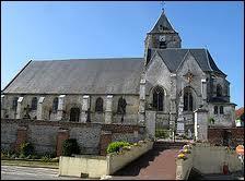 Nous sommes en Picardie, à Naours. Cette commune se situe dans le département ...
