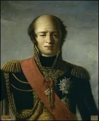 Maréchal d'Empire, duc d'Auerstaedt (Allemagne) puis prince d'Echmülh (Bavière), je suis né en 1770 à Annoux (Yonne). Disgracié en 1815 après la chute de Napoléon, je réapparais à la cour de Louis XVIII en 1818. Entré à la chambre des pairs en 1819, je me rallie à la Restauration. Maire de Savigny-sur-Orge de 1822 à 1823. Je m'éteins en 1823 et je suis inhumé dans la division n°28, je suis :