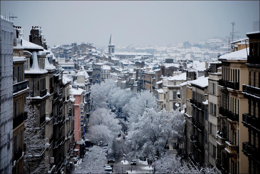 Il est tombé mercredi à Marseille et en Provence jusqu'à 60 centimètres de neige. Un phénomène météo exceptionnel que la deuxième ville de France n'avait plus connu depuis...