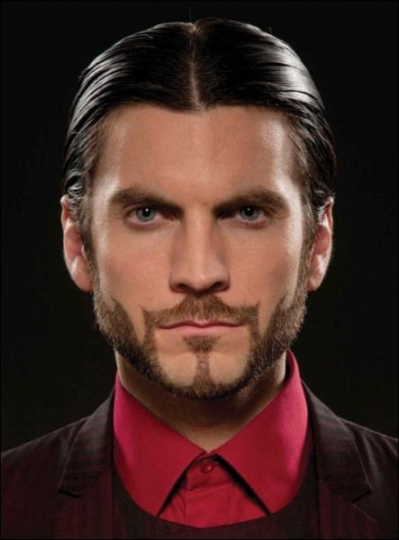 Voici le producteur de la 74e édition des Hunger Games. Comment s'appelle-t-il ?