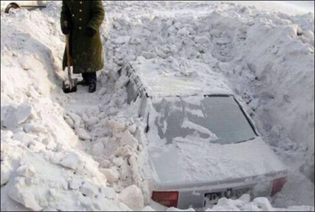 La neige peut tomber en abondance, c'est la région de Silver Lake, au Colorado, qui détient le record mondial de neige tombée en une journée !
