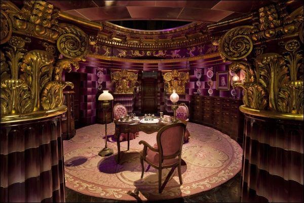 Les sorciers cherchant un moment de détente voudront sans doute s'arrêter dans un célèbre salon de thé. Comment s'appelle la dame qui en assure la bonne marche ?