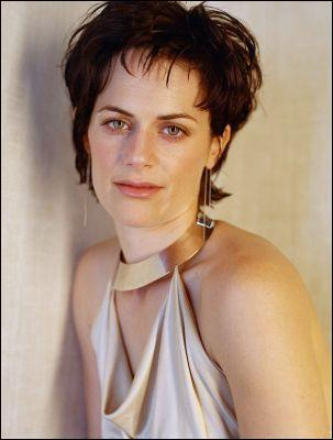 Quel rôle joue Sarah Clark dans Twilight ?