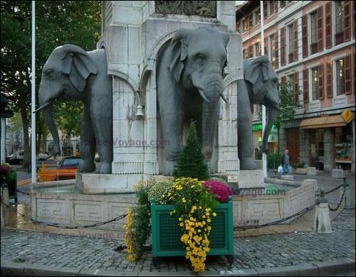 1er janvier 2001 : un incendie a détruit partiellement la vieille ville de Savoie où l'on peut admirer la fontaine des  quatre sans culs . C'est :
