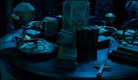 Toujours dans  Harry Potter et les reliques de la mort  (Partie I), Severus Rogue s'arrange pour transmettre à Harry Potter l'épée de Gryffondor. Quel horcruxe Ron Weasley détruit-il avec ?