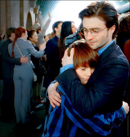 Harry Potter, dans la dernière scène de la saga cinématographique, qualifie Severus Rogue comme étant  l'homme le plus courageux  qu'il ait jamais connu. Comment se prénomme un de ses fils en son honneur ?