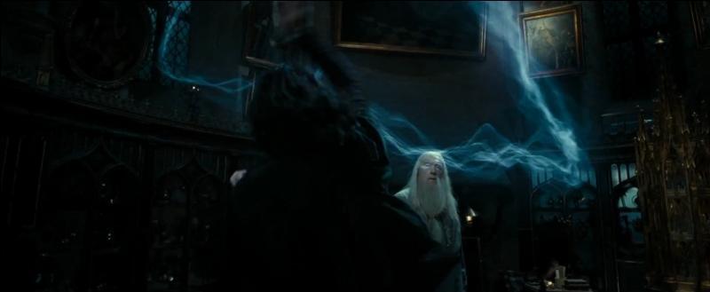 Ainsi, après le terrible drame engendré par la prophétie, les parents de Harry Potter ayant été tués par Lord Voldemort, quelle est l'évolution dans le rôle de Severus Rogue pendant et après la première guerre des sorciers ?
