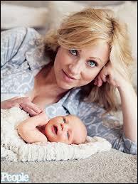 Quel est le nom de l'actrice qui joue la mère ?