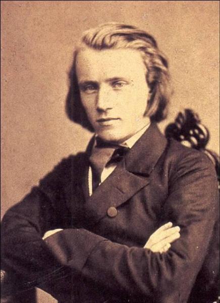 Il se prénomme Johannes il a écrit, notamment, des  Danses hongroises . Qui est-ce ?