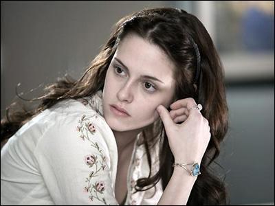 Quelle est la date d'anniversaire de Bella ?