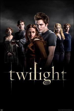Dans Tentation, qu'est-ce qui déclenche le départ d'Edward loin de Forks, et surtout de Bella ?