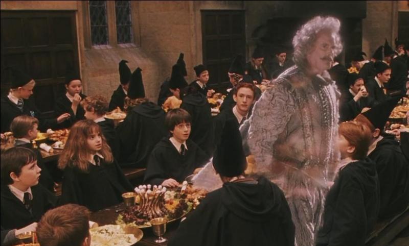 Quel est le fantôme de la maison Gryffondor, que l'on découvre joyeux dès le début de la première année de Harry Potter à Poudlard ?