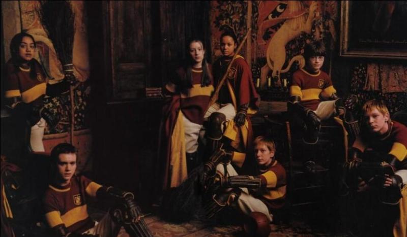 Gryffondor possède une équipe de Quidditch renommée. Pendant les six années scolaires que passera Harry Potter à Poudlard, combien de fois remportera-t-il la Coupe de Quidditch des Quatre Maisons ?