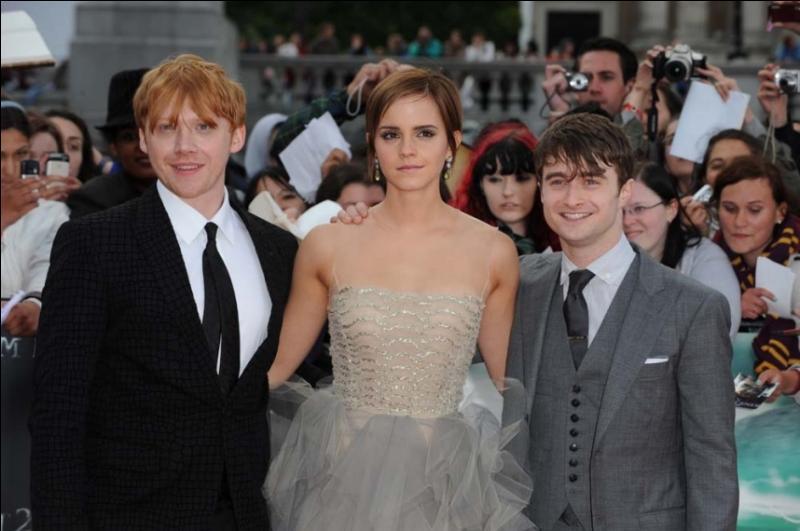 Lors de l'avant-première de  Harry Potter et les Reliques de la Mort  2ème partie à Londres, qu'a dit Emma à Daniel Radcliffe (Harry) après le discours de celui-ci ?