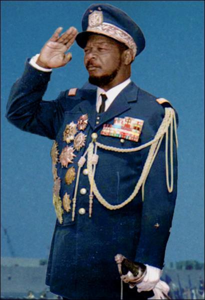 1er janvier 1966 : prise du pouvoir en Centrafrique par ce colonel qui se proclama empereur en 1976. Qui fut renversé en 1979 ?