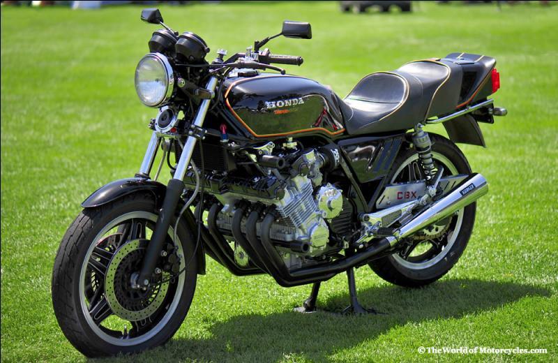 Quel moteur équipe la Honda 1000 CBX ?
