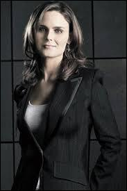Comment s'appelle l'actrice qui joue Temperance Brennan  Bones  ?