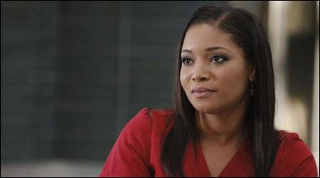 Docteur, interprétée par Tamala Jones, est une collègue et amie de la petite amie du héros mais qui est-ce ?