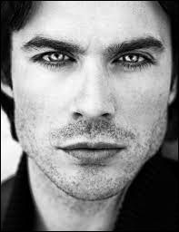 Quelles sont les couleurs des cheveux et des yeux de Ian (Et de Damon aussi) ?