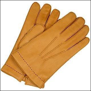 Millau est la capitale du gant.