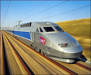 En 2007, lors d'essais, le TGV a effectué une pointe à 574, 8 km/h.