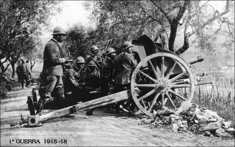 Artilleur pour la France entre 1914 et 1917, il meurt de la grippe espagnole peu après son service :