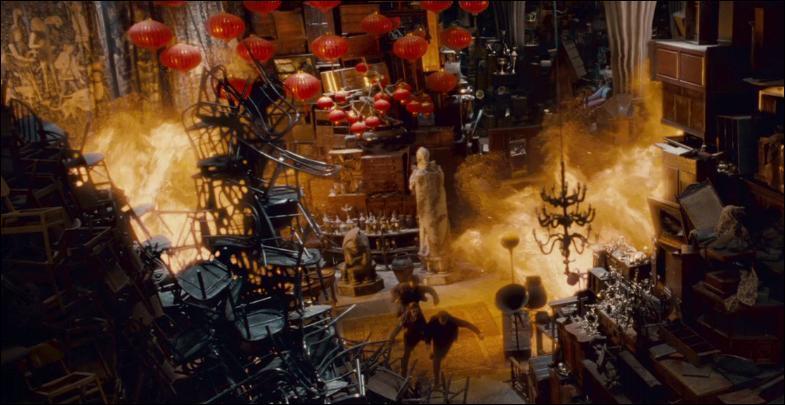 Toujours dans le film, tandis que Harry Potter se bat pour récupérer le diadème de Rowena Serdaigle, quel sort meurtrier déclenche l'élève de Serpentard Gregory Goyle ?
