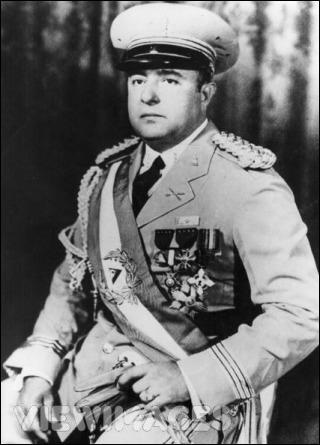 1er janvier 1937 : prise du pouvoir, au Nicaragua, par celui que le peuple surnommait 'Tacho'. Qui a installé une dictature de 45 ans dans ce pays ?