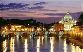 Quel fleuve traverse Rome ?