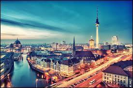 Par quel fleuve est traversée la ville de Berlin ?