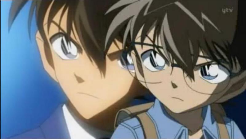 Dans le manga  Détective Conan  : Shinichi Kudo, en se trompant de verre, a avalé un produit qui a provoqué son rajeunissement.