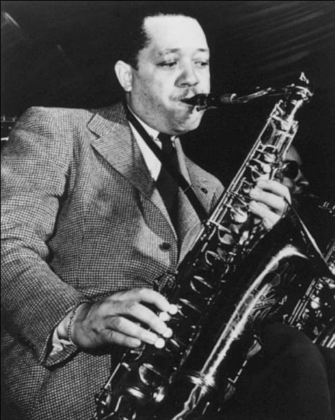 Né dans le Mississippi, ce saxophoniste ténor et clarinettiste, surnommé  Prez , est un précurseur du cool jazz. Il joua beaucoup avec la formation de Count Basie. Son célèbre chapeau  Porkpie hat  a inspiré Charles Mingus dans sa composition  Goodbye porkpie hat .