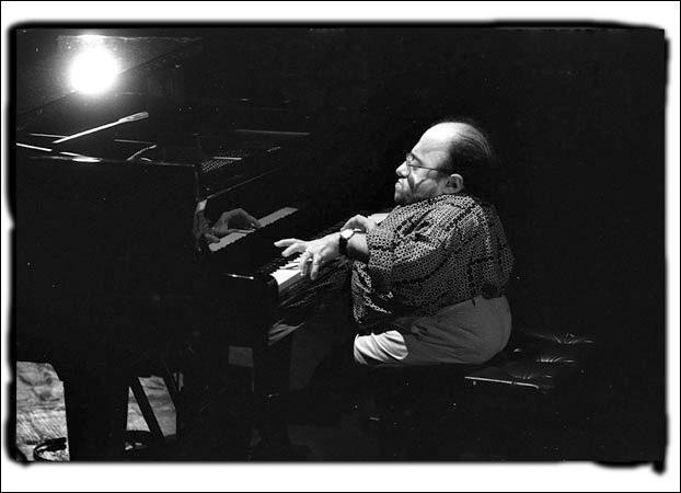 Né à Orange, ce musicien français, atteint d'une grave maladie des os à la naissance, n'en deviendra pas moins un très grand pianiste de jazz. Il fut le premier Français à signer pour le label américain Blue Note.