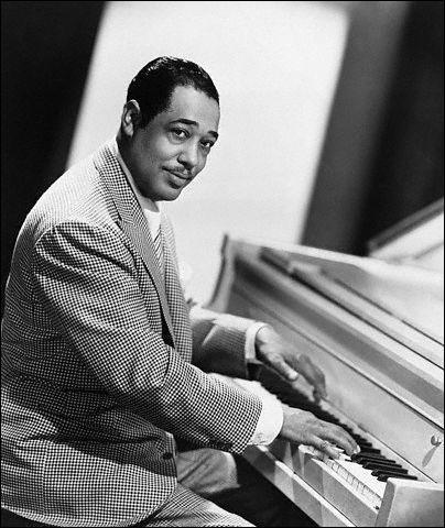 Né à Washington, ce pianiste, compositeur, arrangeur et chef d'orchestre, commença le piano à 7 ans et composa son premier morceau, «Soda fountain rag» à 16 ans. Ce roi du swing donnait à ses arrangements un style reconnaissable entre tous. Il s'est imposé comme l'un des plus grands compositeurs de son temps.