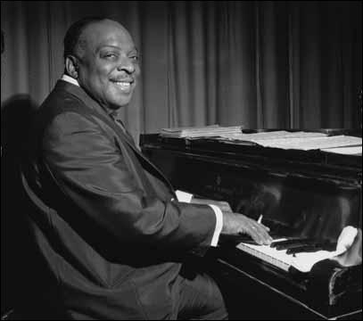 Né dans le New-Jersey, ce musicien commença sa carrière dans les cabarets de Harlem. Il fut un remarquable pianiste de blues et enregistra plusieurs solos. Mais il se distingua surtout pour ses grands orchestres swing qu'il affectionnait particulièrement. Il savait par ailleurs s'entourer de solistes talentueux tels que Lester Young au saxophone.
