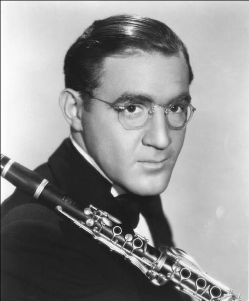 Surnommé «The king of swing» par les médias, ce clarinettiste né à Chicago est issu d'une famille nombreuse d'immigrants juifs polonais. Dans les années 30, il devient pionnier de l'intégration raciale en engageant dans son orchestre des musiciens noirs, ce qui était alors illégal dans les états du Sud.