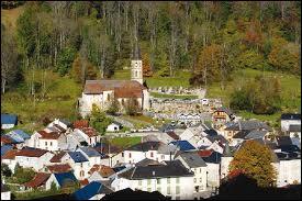 Nous commençons par une visite de la ville d'Aulus-les-Bains. Nous serons ...