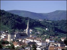 Je me rends à Hasparren, ville située ...