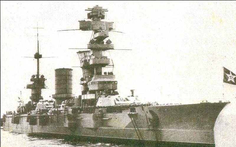 URSS : Il porte le nom d'un révolutionnaire français, mais c'est un cuirassé soviétique. Il fut attaqué et endommagé par l'as allemand de l'attaque en piqué Rudel. Quel est ce navire ?