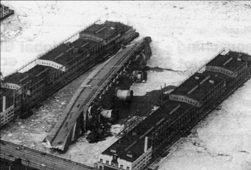 France : Ce n'est pas un navire de guerre, mais il devait être utilisé comme transport de troupes par les alliés. Il fut détruit par un incendie à New York !