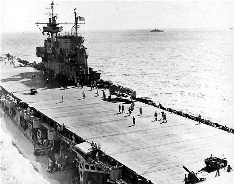 USA : Il a été surnommé « The Big E ». Il fut le navire de combat le plus décoré de l'US Navy. C'est le seul porte-avions à avoir participé à l'ensemble de la bataille du Pacifique. Quel est le nom de ce navire ?
