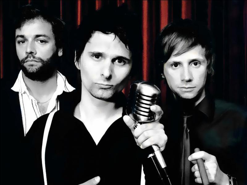 Le groupe de musique britannique Muse est l'auteur des titres suivants :  Madness  et  Resistance .