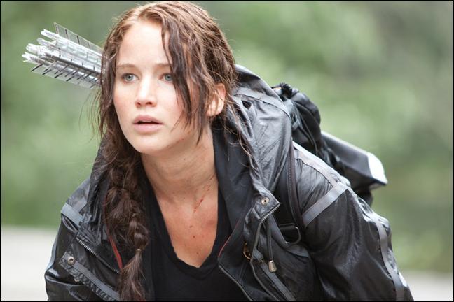 La série romanesque intitulée  Hunger Games  a été écrite par Suzanne Collins.