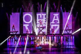 La troupe de Violetta passe du... au...